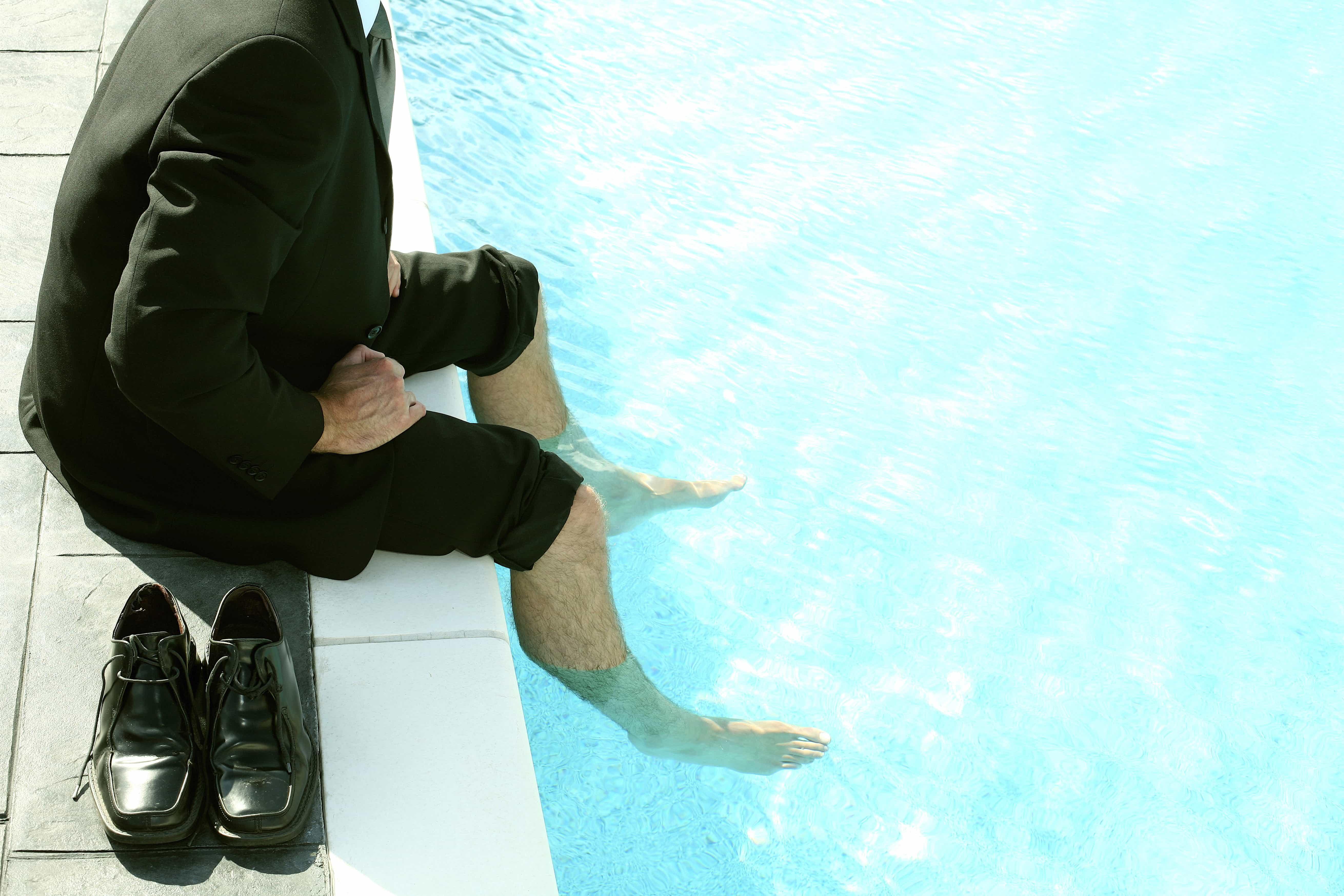 Stinkende Füße und Käsefüße sind ein großes Problem für viele Menschen. In diesem Artikel stelle ich dir alle Mittel und Tipps vor.