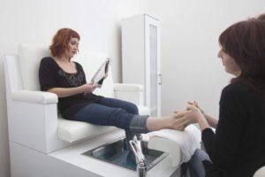 Fußpflege ist ein gutes Mittel gegen Schweißfüße