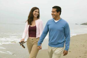 Wer Zimtlatschen trägt sollte diese während einem Strandspaziergang ausziehen.