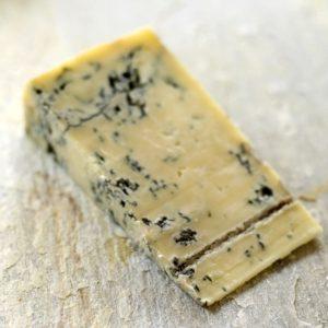 Käsefüße und Käse haben nicht nur den Geruch gemeinsam sondern auch die Bakterien die für den Gestank verantwortlich sind.