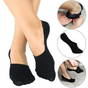 Füßlinge sind bei Frauen beliebt. Die Socken sind so knapp, dass man sie in den meisten Schuhen nicht sieht.